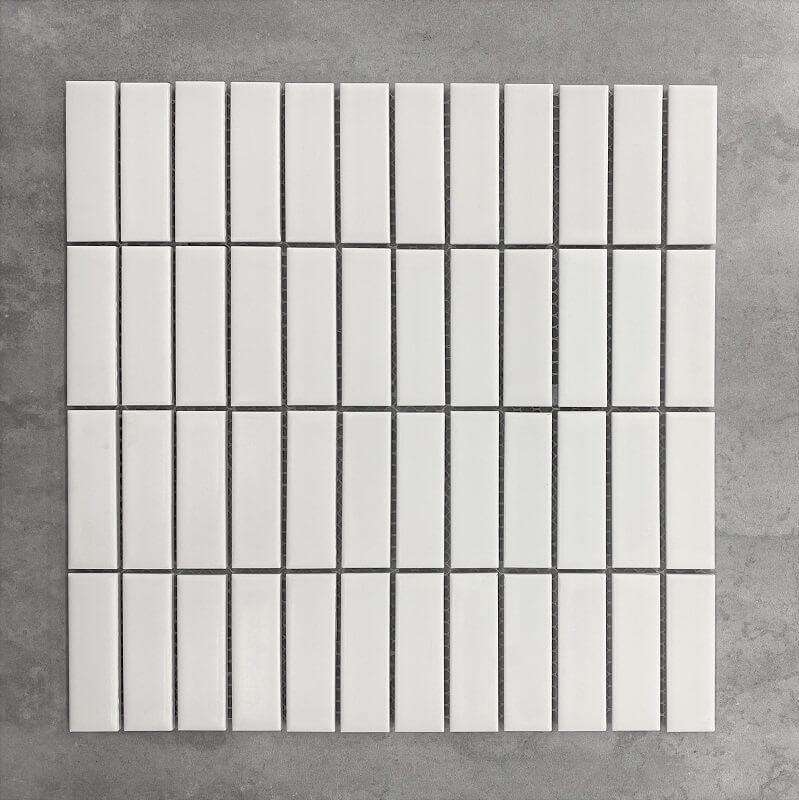 300x300mm KitKat Matt White Mosaic 15×30 7517