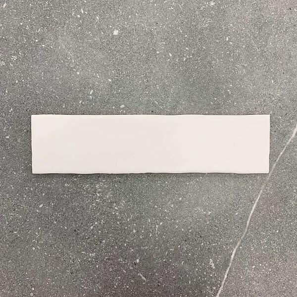 Irregular Edge Wavy White Gloss Ceramic Wall Tile 4190